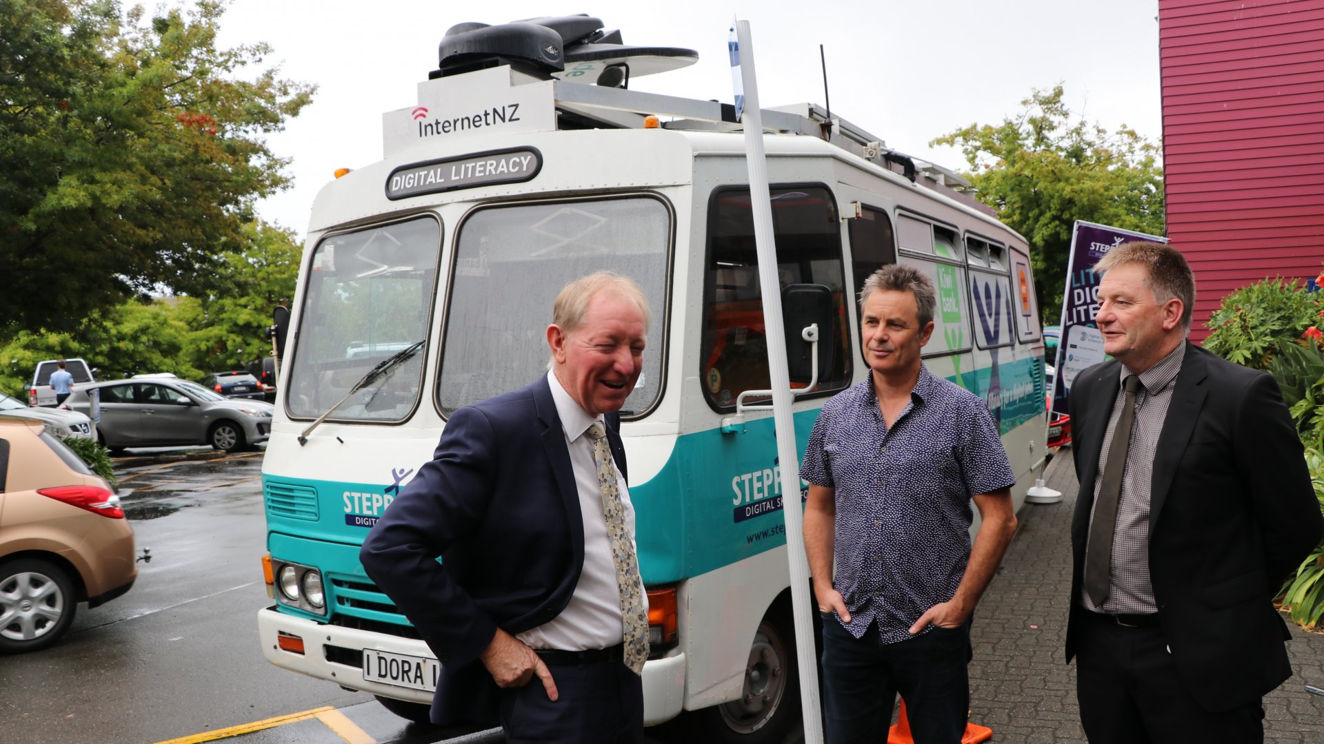 Nelson's MP Nick Smith and Councillor Matt Lawrey visited the bus on its final day.